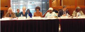 la Sg de la Francophonie entourée des panelistes